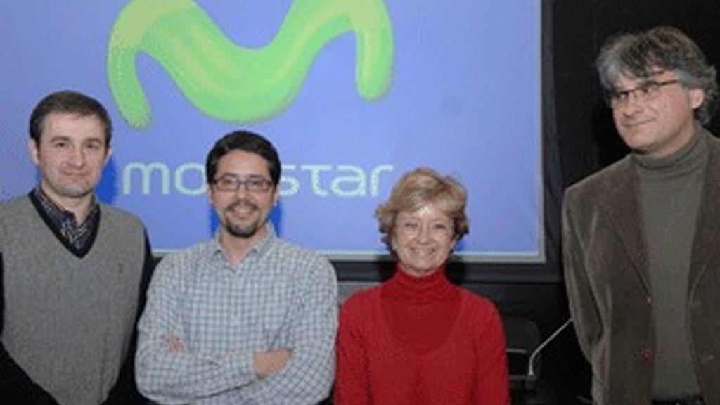 Javier Izcue (izquierda), junto al resto de finalistas del concurso.