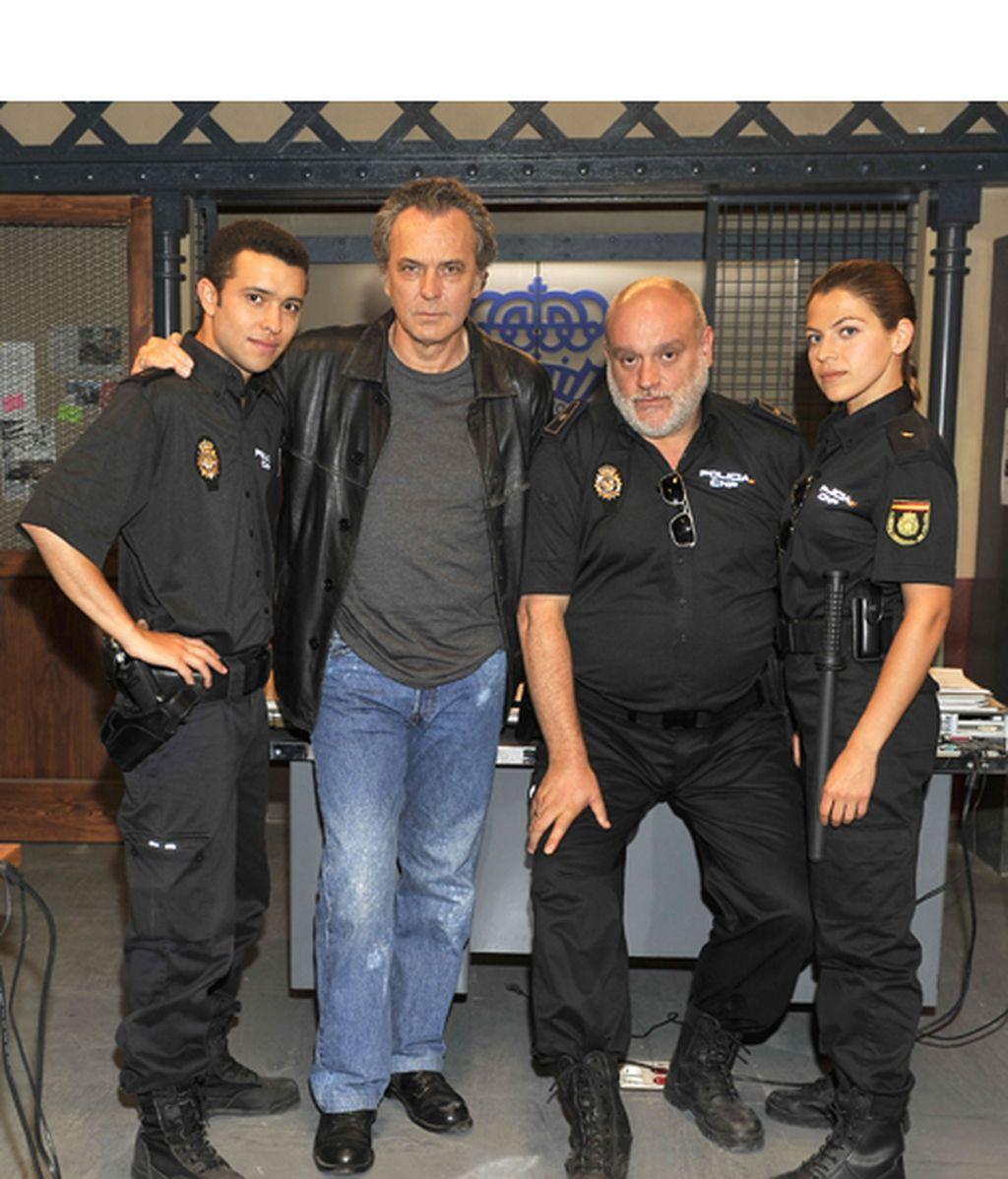 José Coronado y Álex González encabezan el reparto de la serie, que se rueda en Madrid