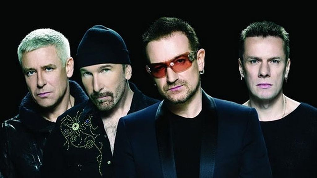 U2 sorprende con 'Invisible' en la Super Bowl 2014