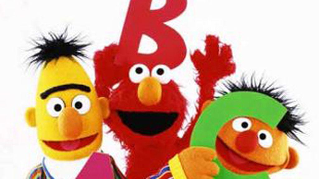 De izquierda a derecha Blas, Elmo y Epi, personajes de 'Barrio Sésamo'.