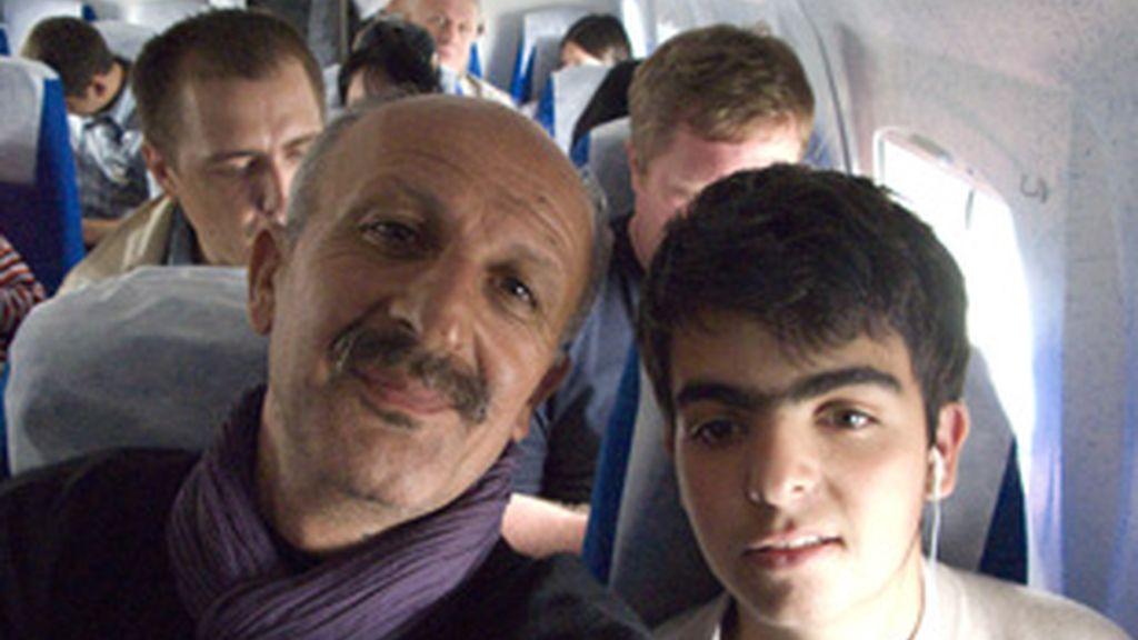 Reza Deghati y su hijo Delazad.