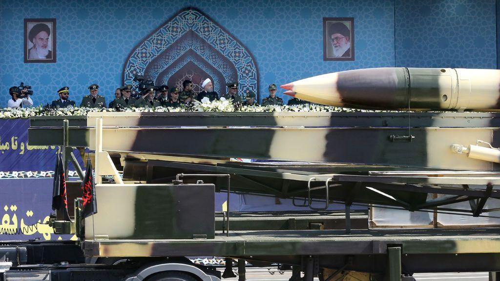 Irán prueba con éxito un nuevo misil de largo alcance horas después de su presentación