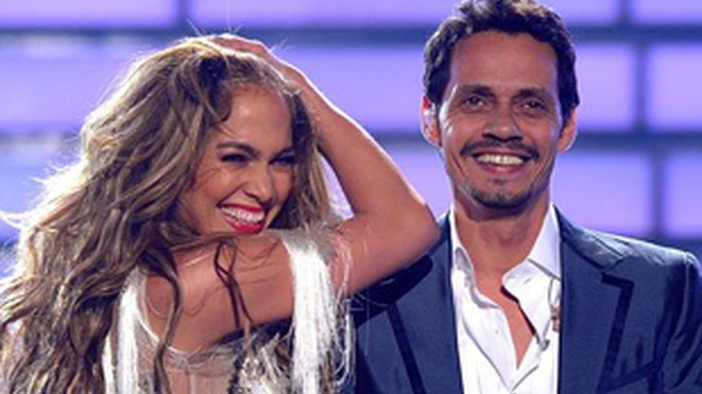 Jennifer López y su marido, Marc Anthony en la final de 'American Idol'.