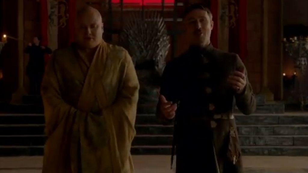 Lord Varys y Petyr Baelish continúan con su 'juego' en el salón del Trono de Hierro