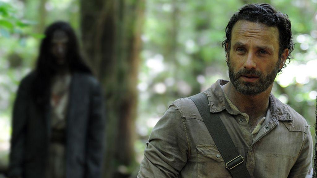 """""""Defiéndete o corre"""" en 'The Walking Dead'"""
