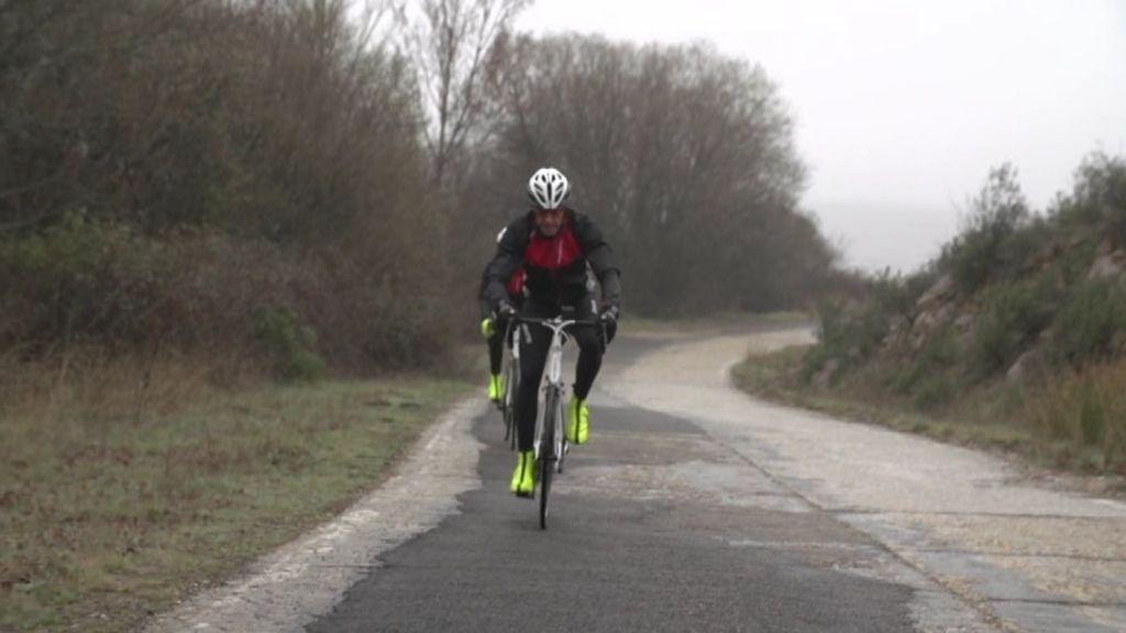 Entrenamiento con la bici bajo la lluvia para la Titan Desert by Garmin