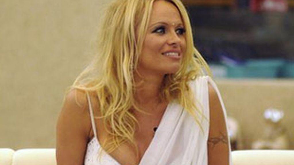 Pamela Anderson en la casa de 'Gran Hermano' de India.