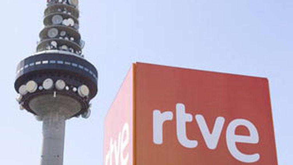 RTVE ofrece a los sindicatos reducir el número de directivos  externos y negociar cómo aumentar la producción propia.
