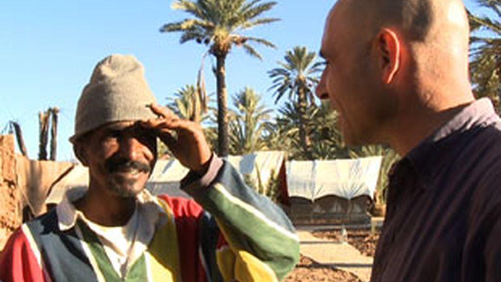 'Españoles en el mundo' en Sahara.