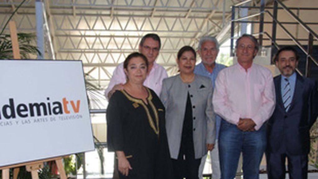 De izquierda a derecha, Carmen Utrilla, Carlos Martínez, Glenda Gaby, Horacio Arias, Jose Carlos Cuesta y Fernando Peña, junta electoral 2010.