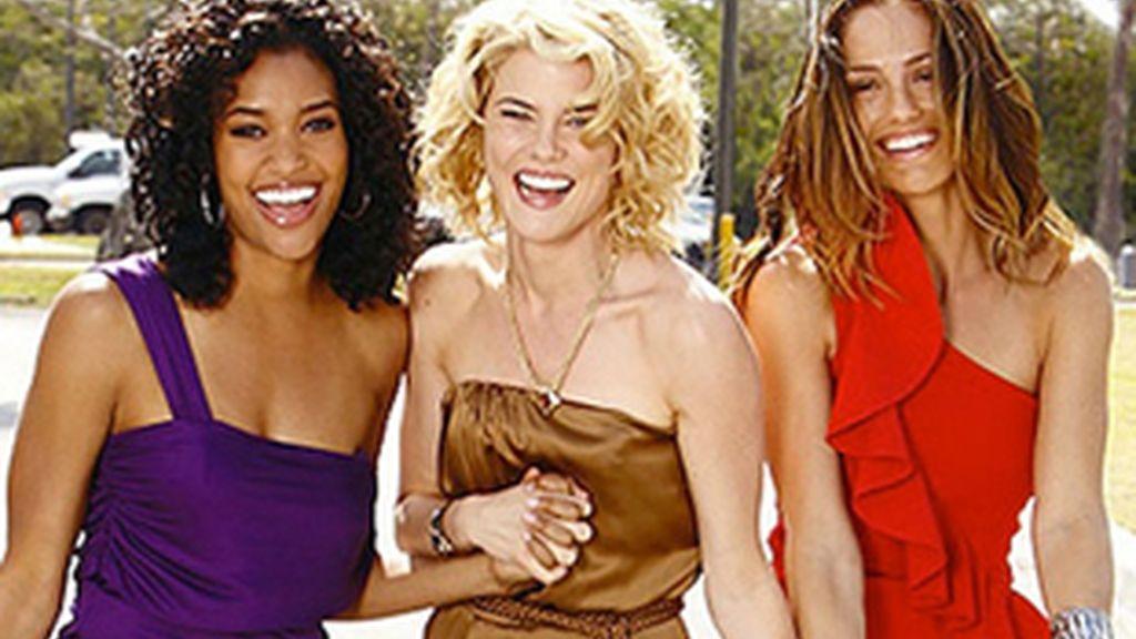Imagen de las protagonistas de la nueva versión de 'Los Ángeles de Charlie'.