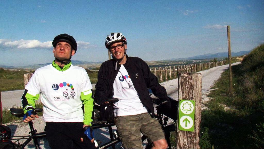 Pedaleamos con Sergio y Juanma por la Vía Verde de Baza, en Granada