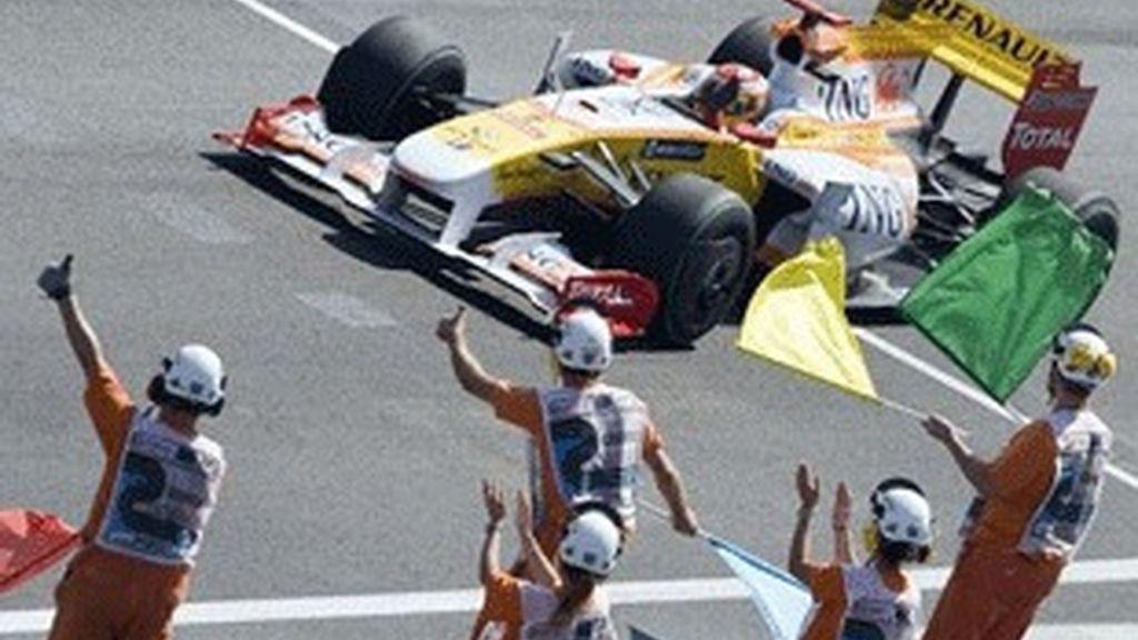 Fernando Alonso, en su Renault.