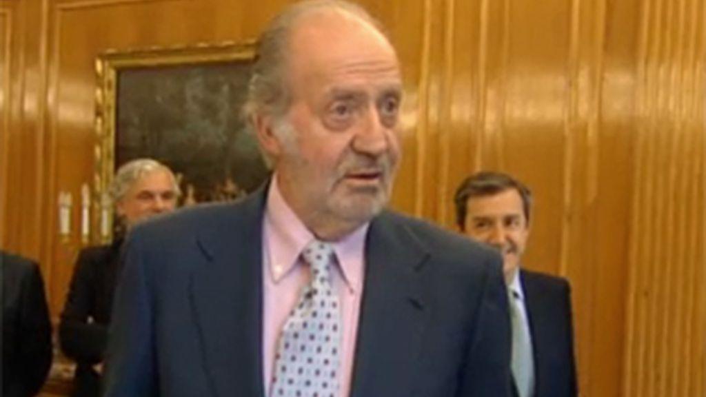 Don Juan Carlos, enfadado con la prensa en el acto del martes 31 de mayo.