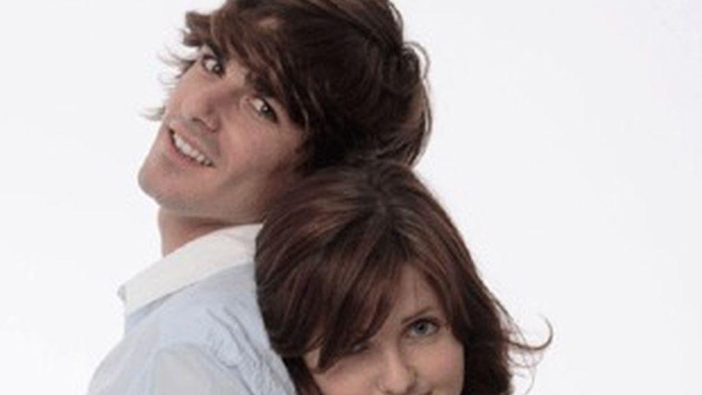 Jaime Terrón y Laura Ibáñez, actores de la serie 'HKM', de Cuatro.