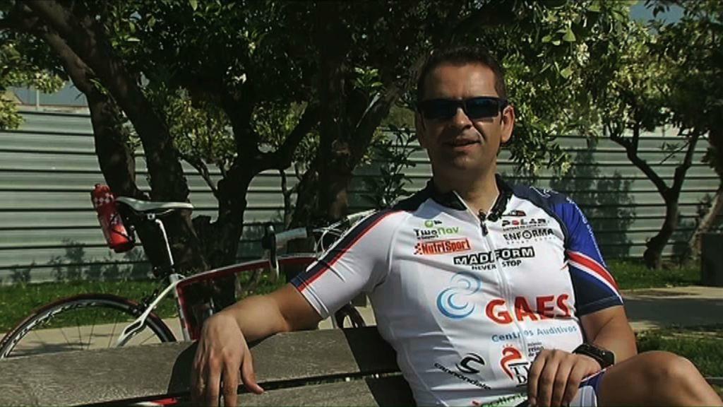 José Luis Layola: un campeón con esclerosis múltiple que pasó de la silla a ganar triatlones