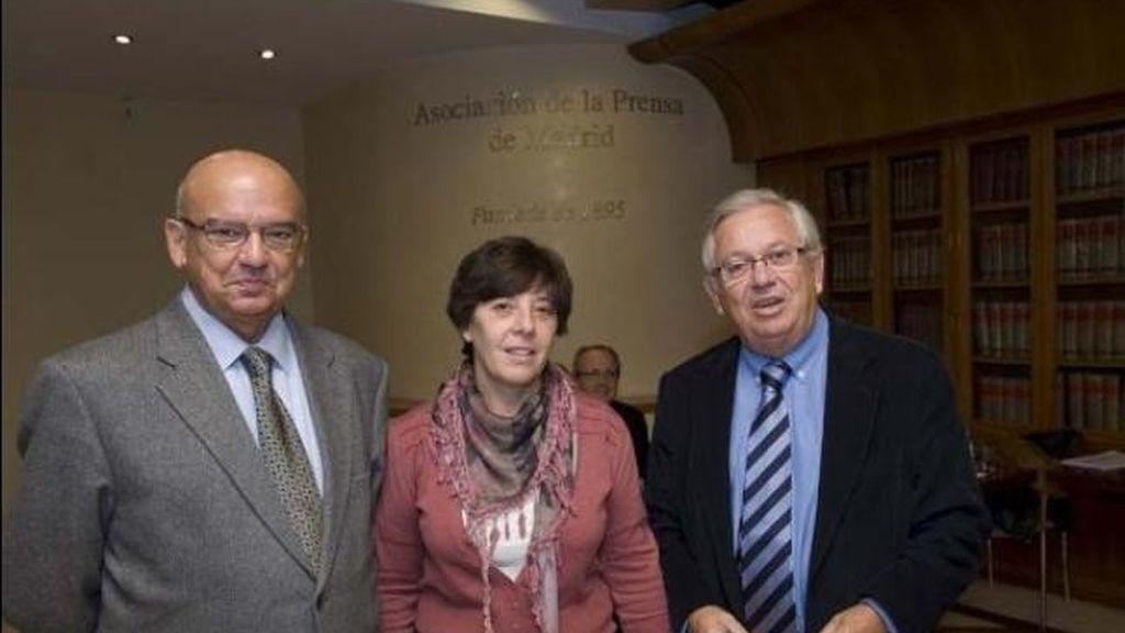 Juan Caño, Carmen del Riego y Fernándo Jáuregui. Candidatos APM.