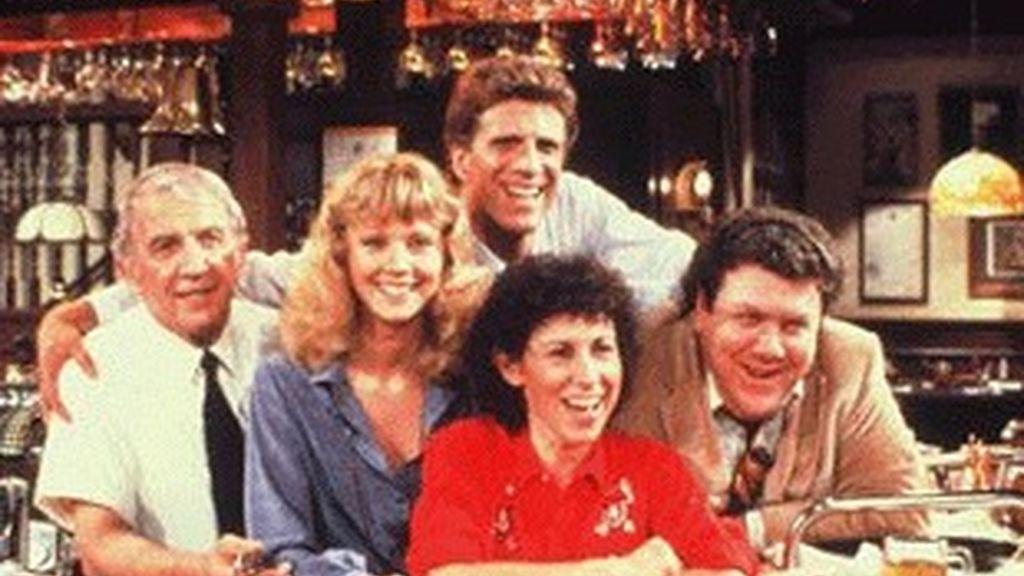 Protagonistas de la popular serie 'Cheers'.