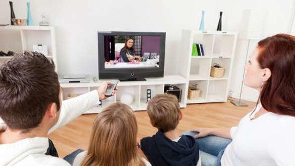 gente viendo la tele