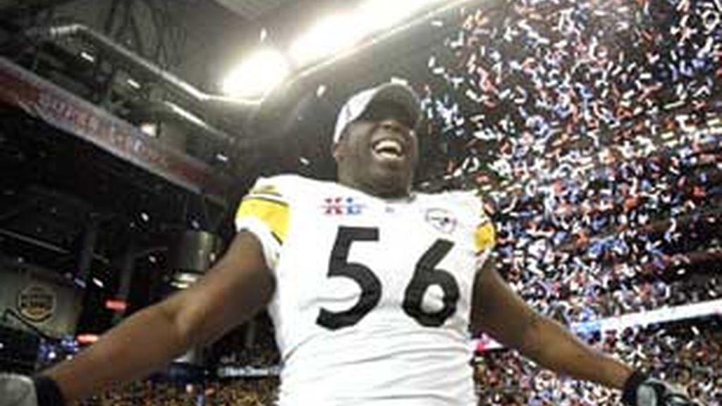 Un jugador celebra la victoria.