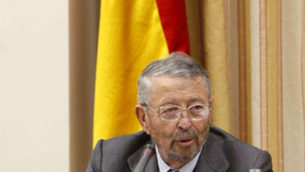 Alberto Oliart, presidente de RTVE, en el Congreso de los diputados.