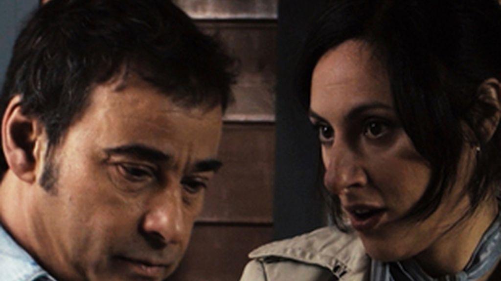 Eduard Fernández, con su ex novia en la serie, María Morales.