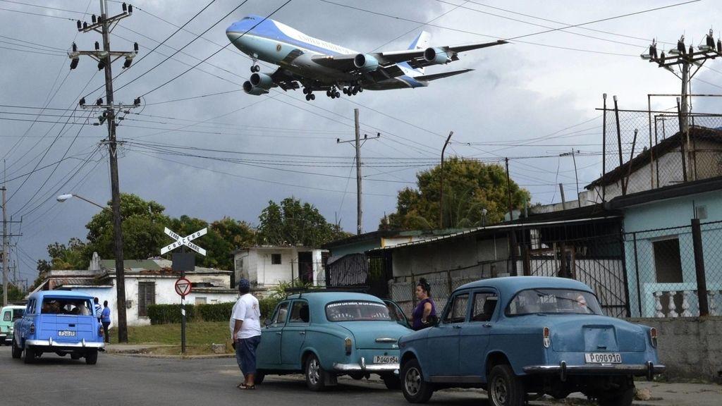 Fotografía del Air Force One sobrevolando La Habana (Cuba) en marzo de 2016 de Yander Alberto Zamora, ganadora en Periodismo Gráfico en los premios anuales Ortega y Gasset