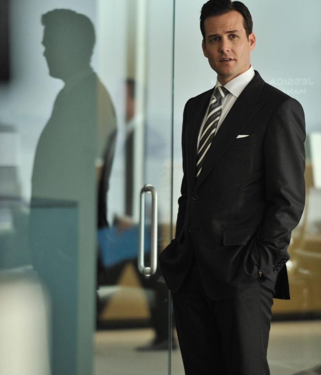 Harvey, el abogado elegante y calculador