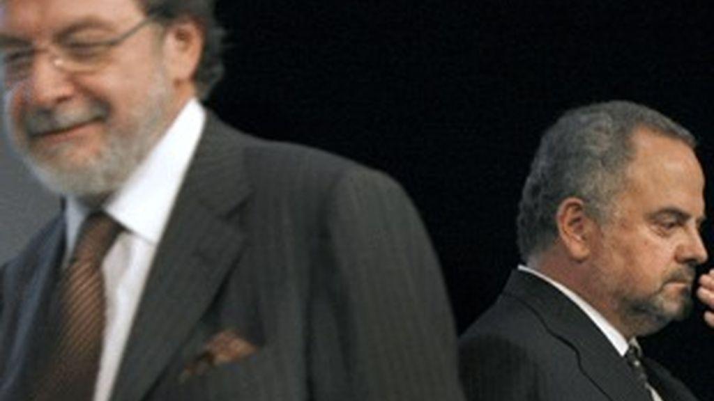 Juan Luis Cebrián y Ignacio Polanco (detrás).