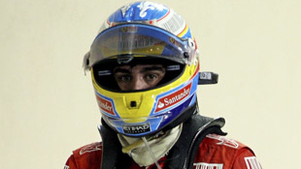 Fernando Alonso, tras perder el Mundial de 2010, que se llevó Vettel casi en la última curva.