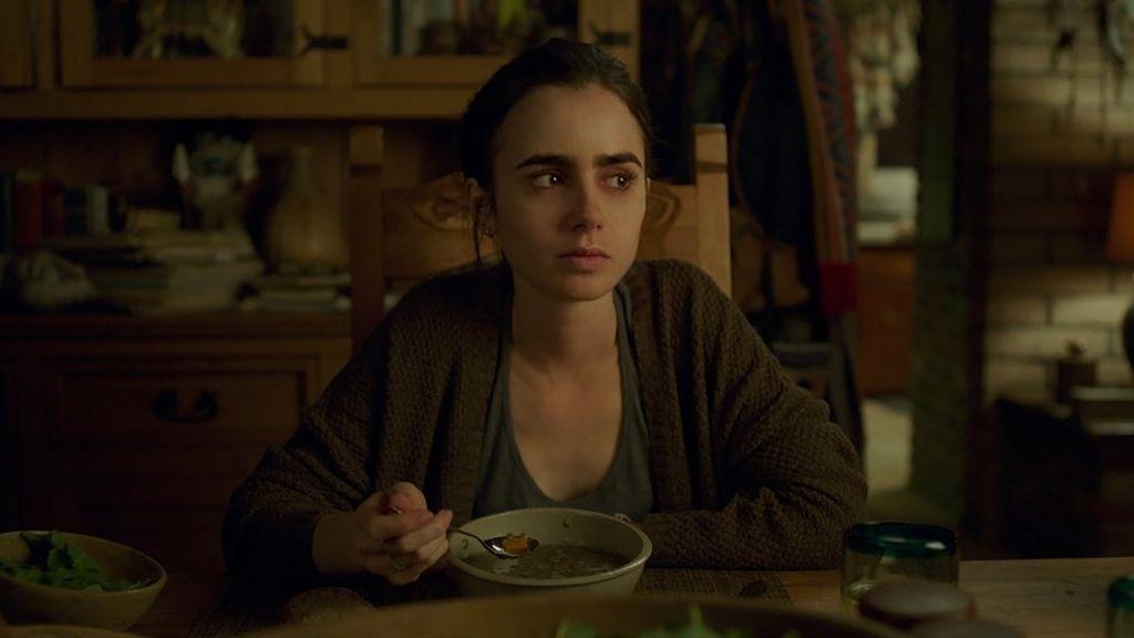 Lily Collins es la protagonista de 'Hasta los huesos', la nueva película de Netflix