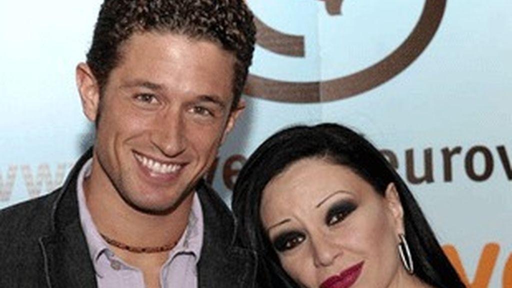 Miguel Serrano y Alaska, presentadores de las galas.