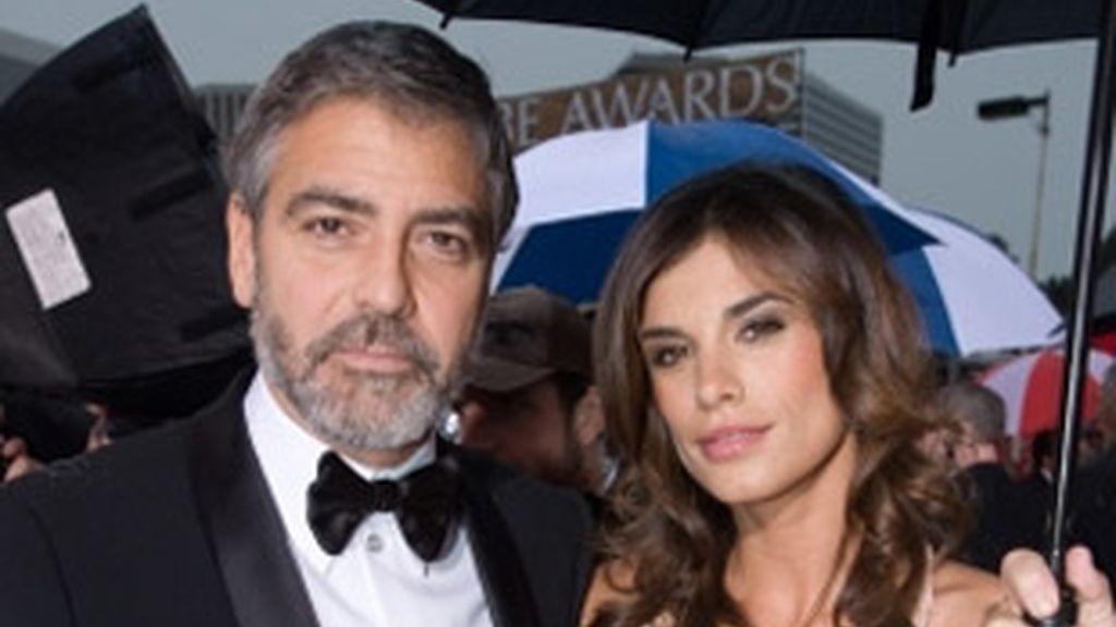 George Clooney, con su novia Elisabetta Canalis, el pasado domingo en los Globos de Oro.