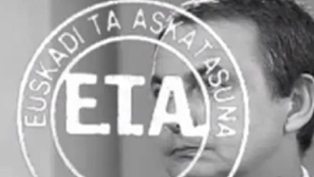 La imagen que Telemadrid emitió en sus informativos con la sobreimpresión del sello de ETA sobre José Luis Rodríguez Zapatero.