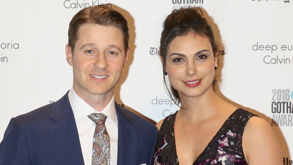 Ben McKenzie y Morena Baccarin