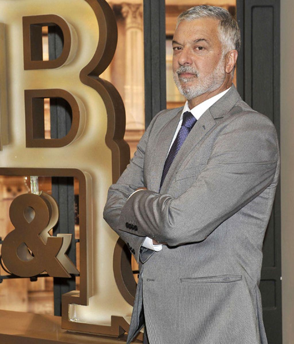 Adolfo Fernández es Óscar Bornay