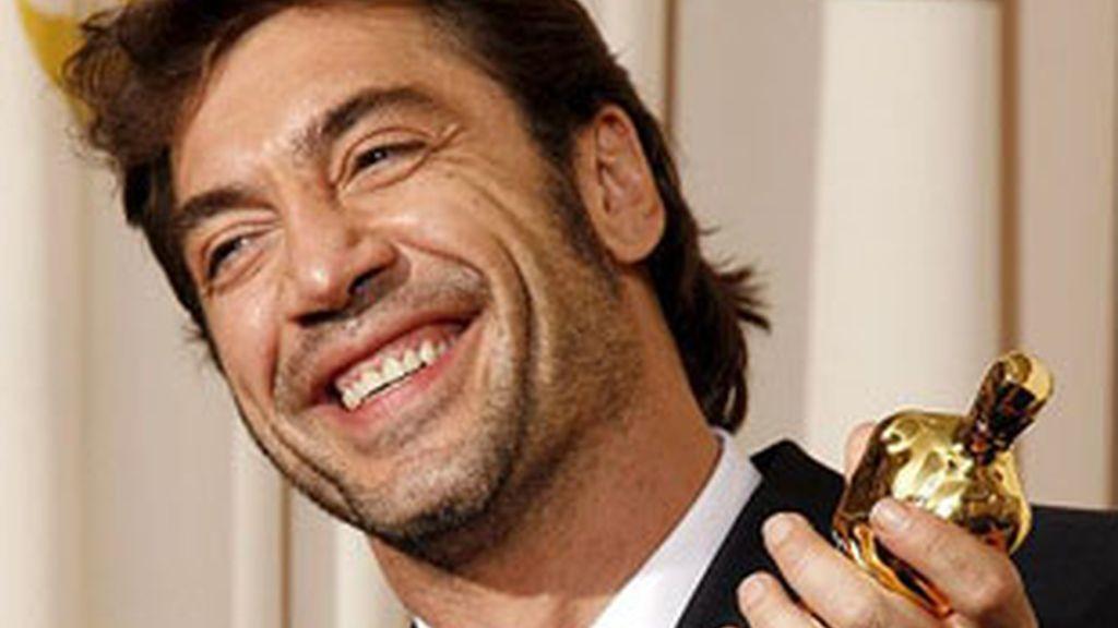 Javier Berdem, con su Oscar por 'No es país para viejos'.