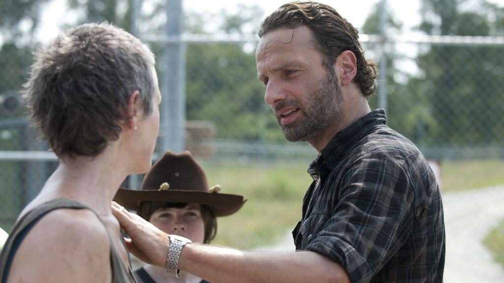 Rick y su equipo de supervivientes se asientan en una cárcel abandonada