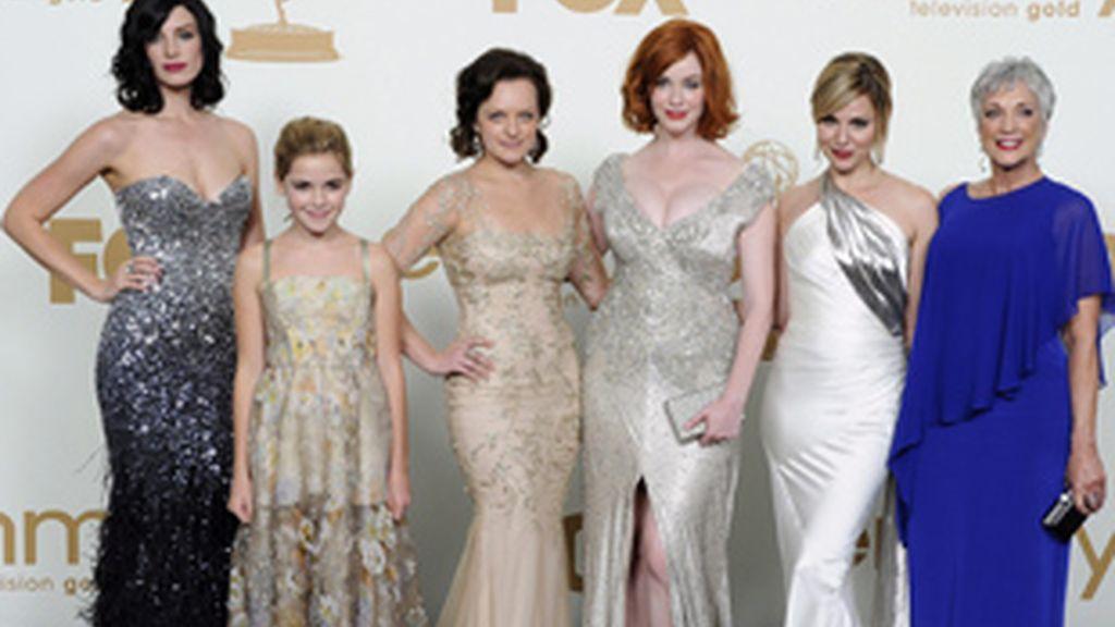 De izquierda a derecha, Jessica Pare, Kiernan Shipka, Elisabeth Moss, Christina Hendricks, Cara Buono y Randee Helle, protagonistas de 'Mad Men'.