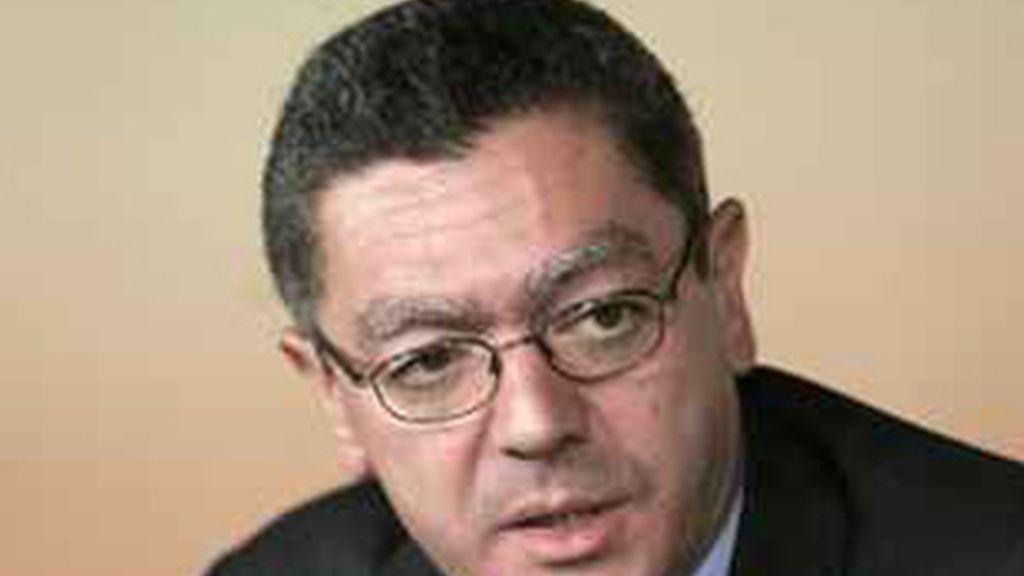 Gallardón propone cerrar las autonómicas