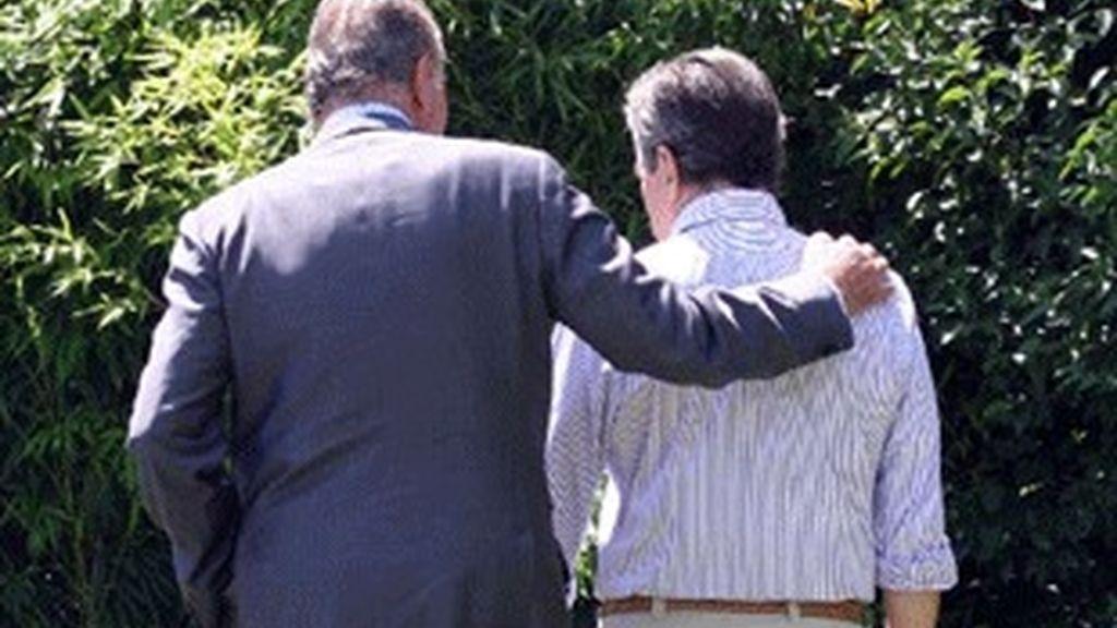 Foto del Rey y Suárez premiada por los Ortega y Gasset.