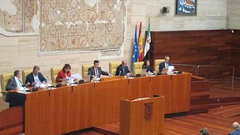 Parlamento de Extremadura en el momento de la votación.