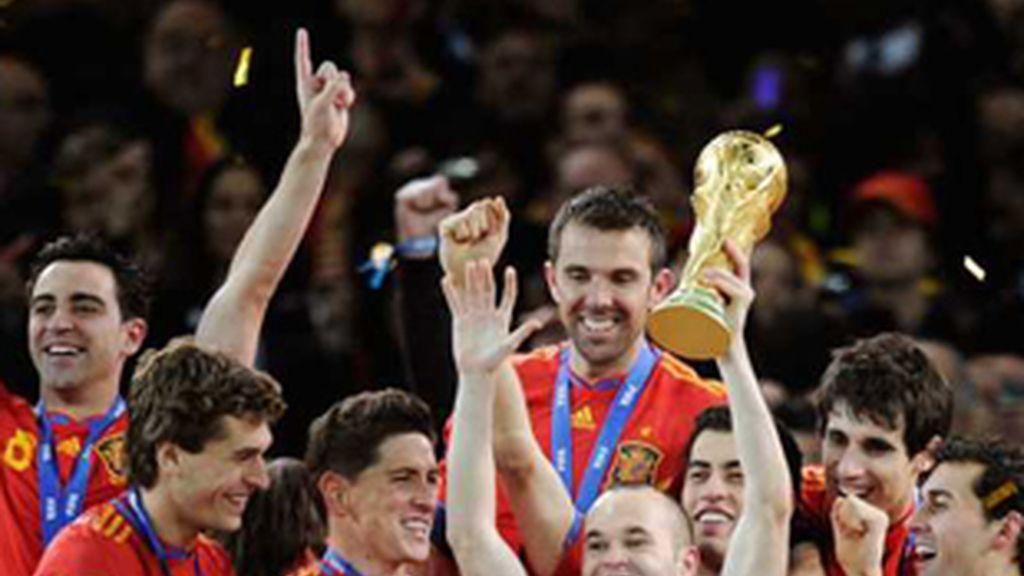 Jugadores de la selección española celebrando la victoria en el Mundial de Sudáfrica.