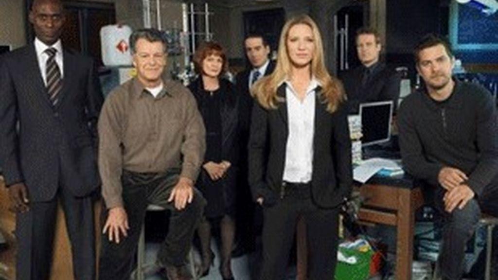 Los protagonistas de 'Fringe' (Canal +).