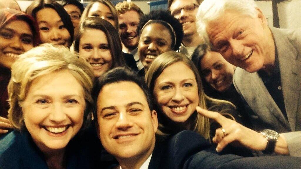 'Selfie' de Jimmy Kimmel con los Clinton