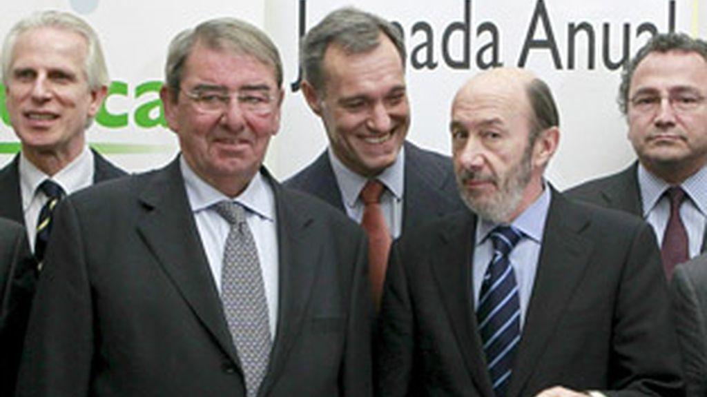 De izquierda a derecha, Giuseppe Tringali, Alejandro Echavarría, Silvio González, Alfredo Pérez Rubalcaba y Manuel Polanco, en la jornada de Uteca.