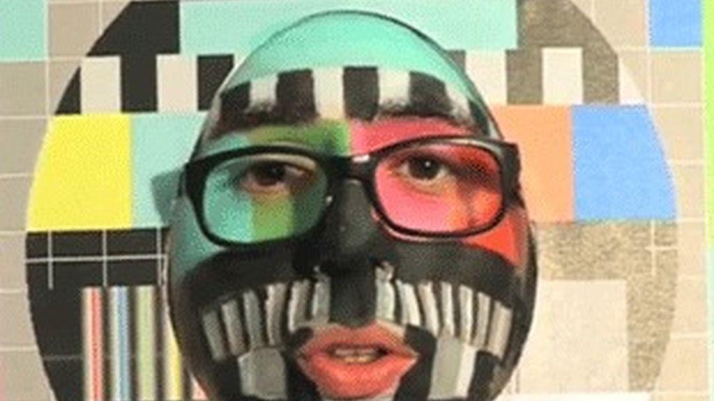 Berto Romero se convierte en la pantalla de un televisor para promocionar 'ElTerrat.tv'