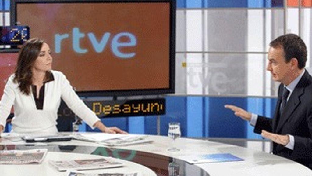 José Luis Rodríguez Zapatero, con Pepa Bueno en 'Los desayunos de TVE'.