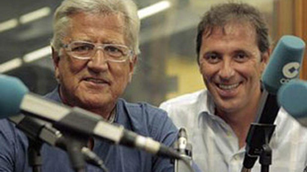 Pepe Domingo Castaño (izquierda) y Paco González, conductores de 'Tiempo de juego' (COPE).