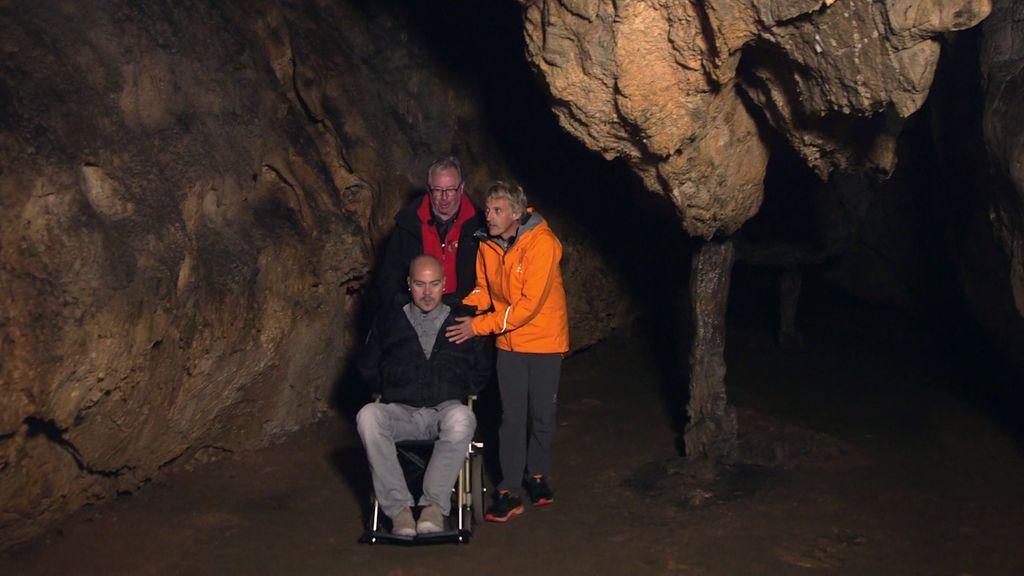 ¡Satur cumple su sueño! Desde que se quedó en silla de ruedas no entraba en una cueva